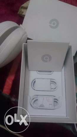 beats solo wireless heatset (special edition silver) الرياض -  3