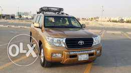British expat owned vehicle... Land Cruiser GXR V8 - gold colour...