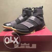 Nike LeBron Soldier 10 (X) Size: 12 US