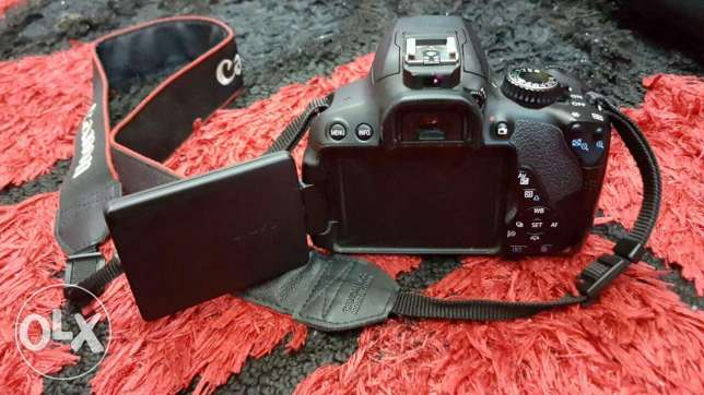Canon 650D with lens