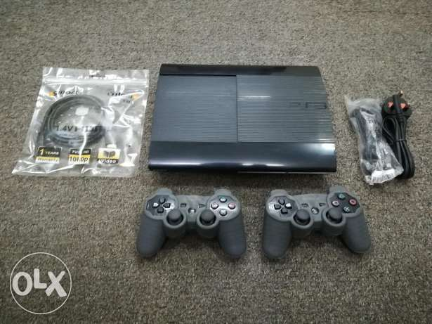 Ps3 w/2contr, 22games