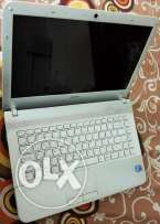 White Sony Vaio Laptop- Intel Core i7 - Ram 4GB - HDD 500 - VGA 1 GB
