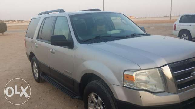 Ford Expedition XLT 2007 الرياض -  3