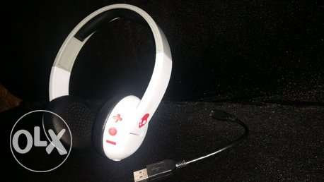 120 / New Skullcandy Uproar Bluetooth Headset with Warranty.