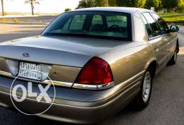 Ford Crown Victoria 2001 Excellent Condition