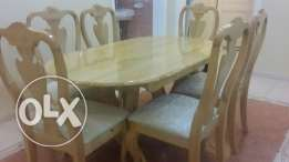 Dining table and 6 chairs طاولة سفرة