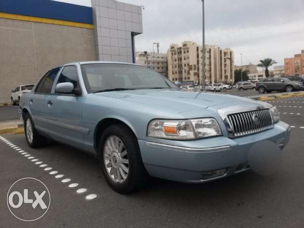 For Sale 2010 Ford Grand Marquis Saudi blue color in excellent con