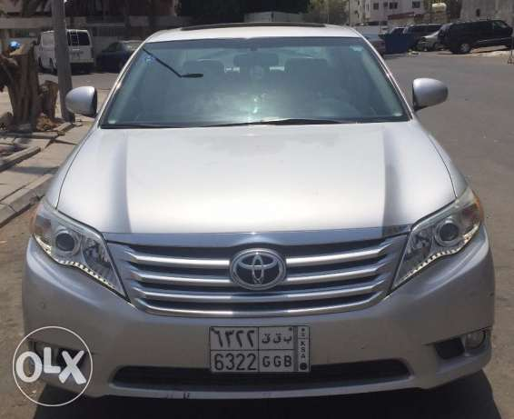 Toyota Avalon 2011 (ODO 37,800 kms) - company serviced