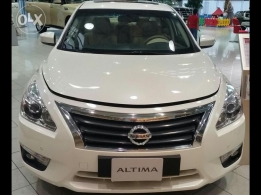 Nissan Altina 2014 white color for sale.