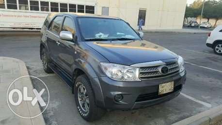 Family used toyota fortuner 2010 model for sale