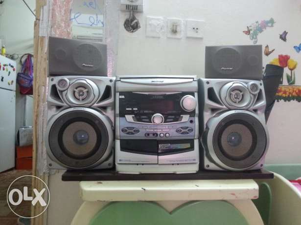 I am Saleing My old model CD Player very good condition الرياض -  1