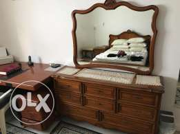 Bedroom Commode with mirror