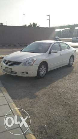 Nissan Altima 2.5 ,2010,odo177 k , in good condition automatic