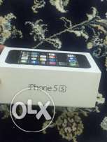 IPhone 5s 16 gb black color with box with New just few month old.