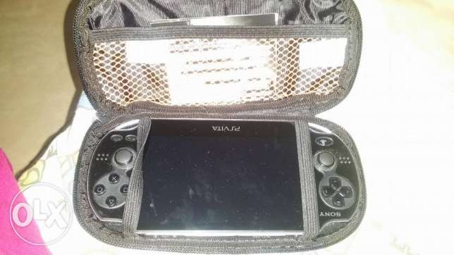 PS vita with uncharted and call of duty , 32 gb card, leather case الرياض -  4