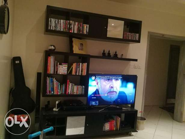 TV table and decore