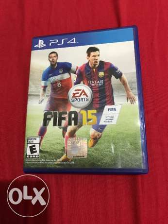 Fifa 15 ps4 used like new one