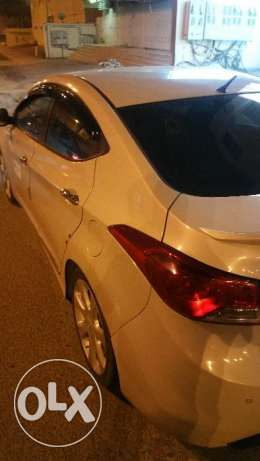 Full option hyundai Elantra only 5000 sar going to long leave