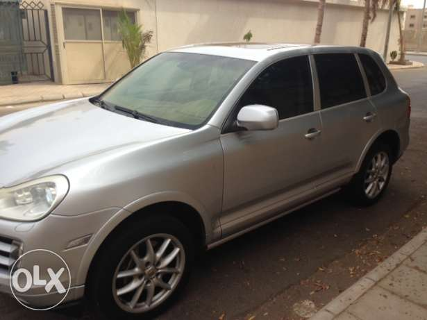 Porsche Cayenne 2009 - Full Options- SAMACO maintained جدة -  2