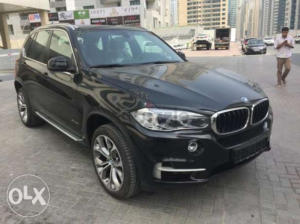 "BMW X5 2017 zero km GCC touch screen 20"" alowy wheel"
