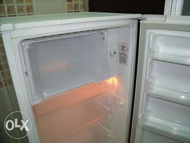 Fridge - in clean and very good condition رأس تنورة -  3