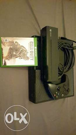 XBOX ONE with 1 controller and games