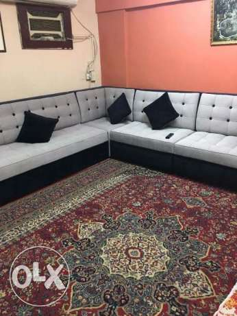 L Shaped 8-9 Seater Sofa Set in a new condition same as new. الرياض -  1