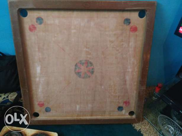Carom Board for Sale , complete accesories with ducting stands / tray.