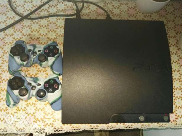 Play station 3 (2 controllers) excellent conditionسوني 3 حاله ممتازه