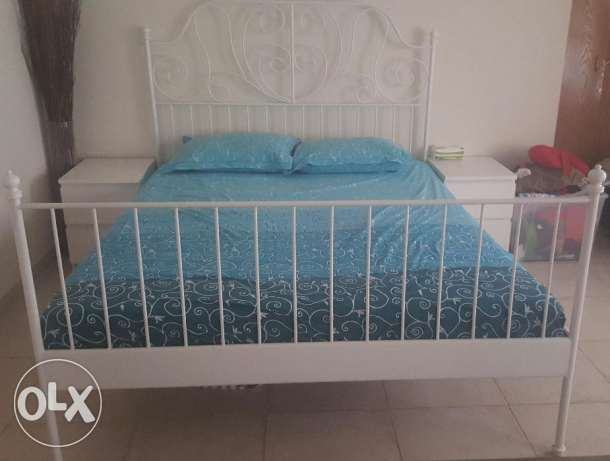 160×200 Bed with mattress 4 months old.