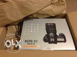 Brand New Canon EOS 5D MARK III Camera with lens