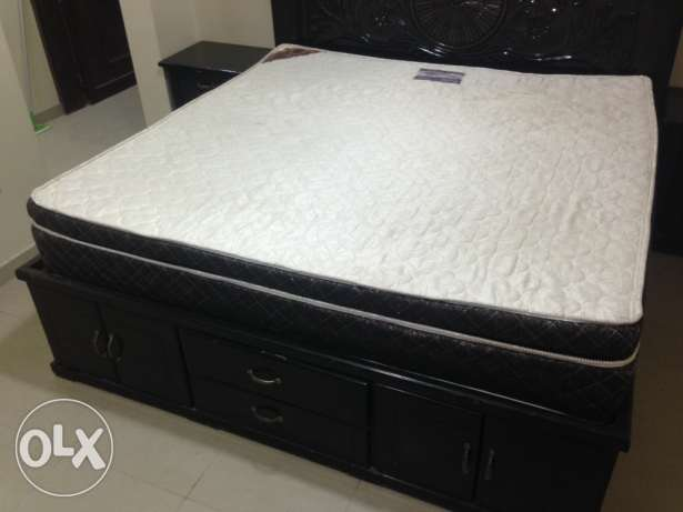 king size bed and mattress, furniture الهفوف -  3