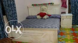 want to sell bed set
