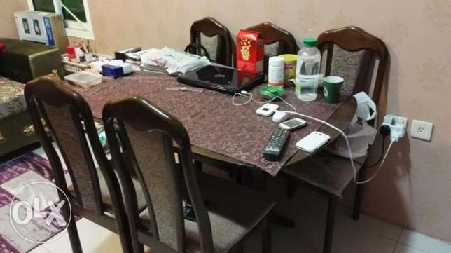 Dinning table with 6 chairs for sale