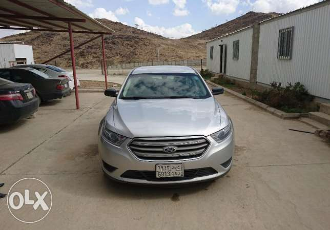 Ford Taurus 2014 almost new