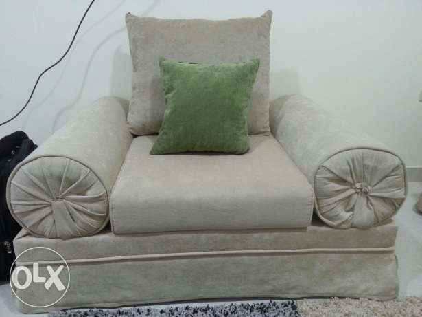 2 single sofa set as show in Picture