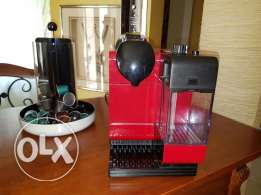 Lattissima Touch Nespresso Machine with capsule dispenser