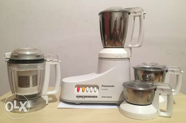 Mixer grinder in as good as new condtion