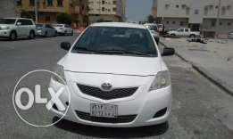 Toyota Yaris - 2013, Automatic, White color, Done only 86,000, Owned b