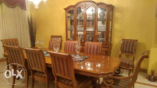 American Wood Dinning set - table, 10 chairs and cabinet جدة -  1