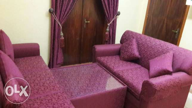 Brand new Sofa set with matching curtain الدمام -  1