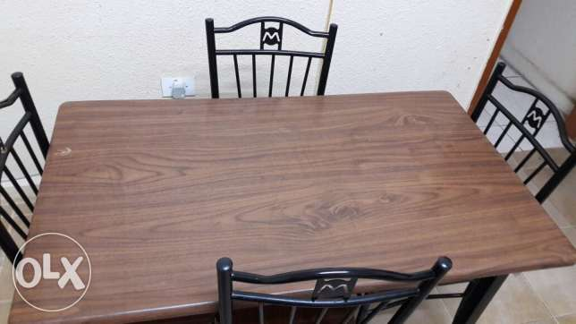 Dinning table with 4 chairs الدمام -  1