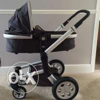 new baby traveller availlable for sell