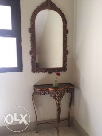 Wall mirror and Table set