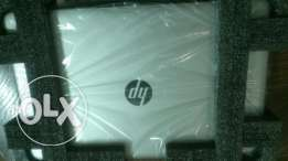 New HP LapTop Intel Core i5-6200U, VG R5-M430 (2 GB), 4 GB RAM, 500 GB