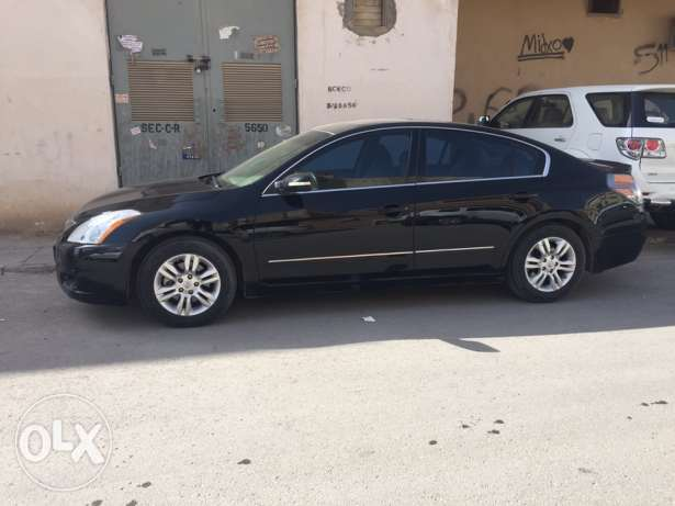 Nissan Altima fully loaded 2011