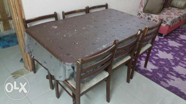 Table with 6 seats