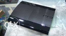 PS3 super slim with 8 cds(original) and 2 controllers (white)