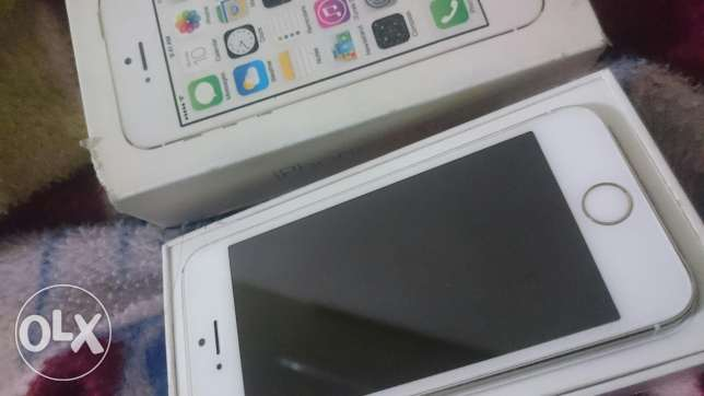 iPhone 5s in Good Condition With Box + Charger