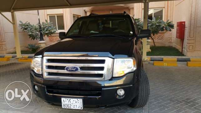 Ford Expedition XLT 2014, automatic, 45500 KM still under warranty الخبر -  7